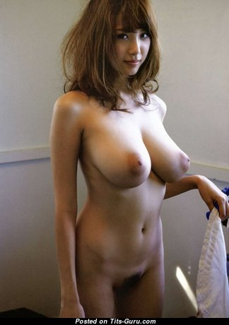 Fascinating Glamour Asian Babe with Fascinating Exposed Real Medium Tit (Porn Foto)