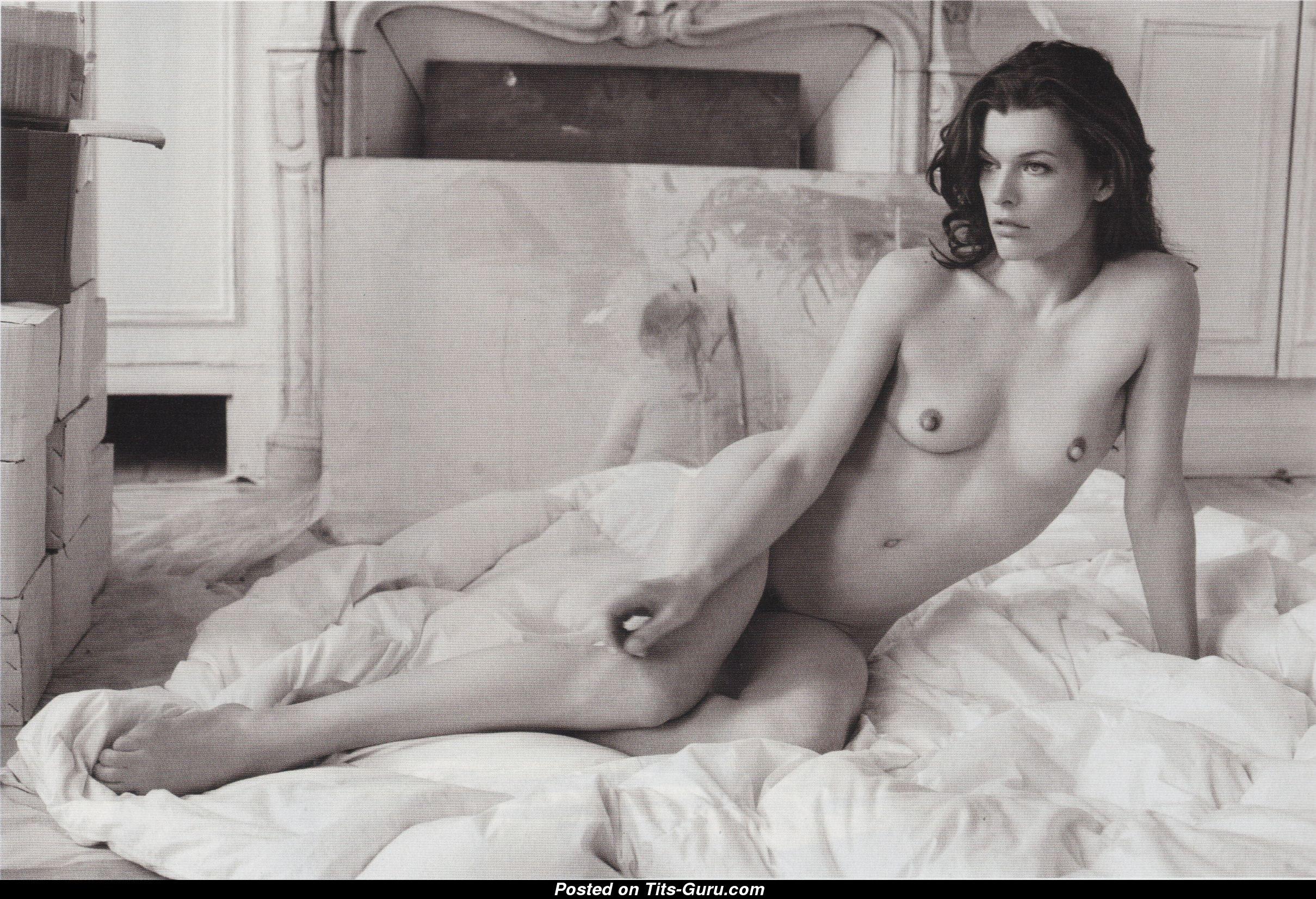 milla jovovich nude hot sex