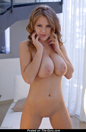 Image. Viola Bailey - nice woman with natural tits pic