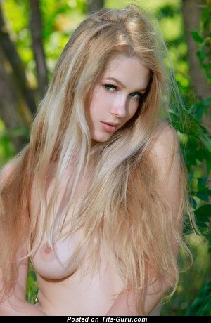 Image. Marianne Merkulova - naked blonde with medium natural tittes picture