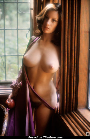Francine Parks - Gorgeous American Playboy Brunette with Gorgeous Bare Real Mid Size Boobys (Vintage 18+ Foto)