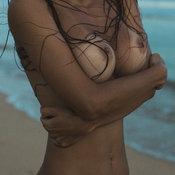 Ebony with medium tits pic