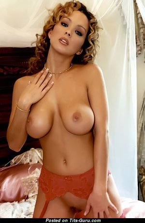 Magnificent Babe with Lovely Defenseless Natural Busts (Xxx Foto)