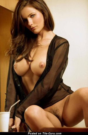 Kyla Cole - naked beautiful lady with big tittes pic