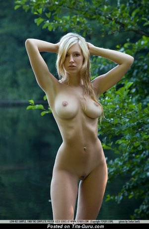 Image. Naked beautiful girl with big natural tittys picture