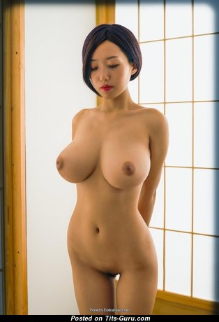Stunning Undressed Asian Babe (Hd Porn Picture)
