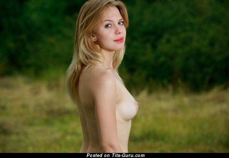 Alluring Blonde Babe with Lovely Naked Natural Tiny Boobys (Hd Xxx Foto)