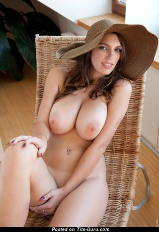 Image. Nude hot woman with natural boob pic
