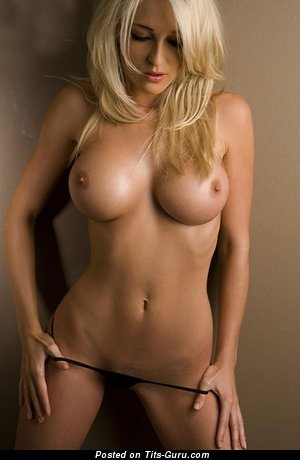 Nude awesome woman with big fake tittys picture