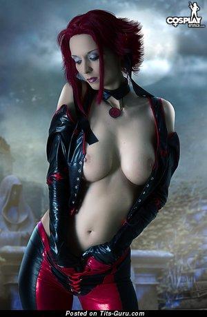 Sexy naked nice woman pic