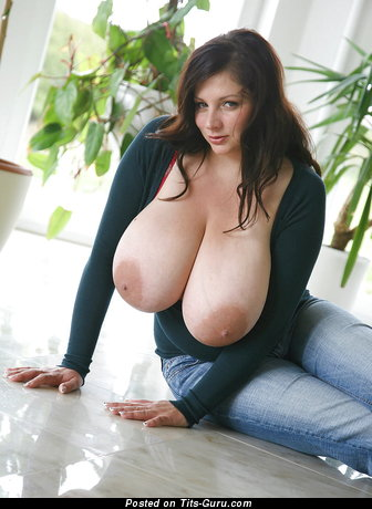 Marvelous Babe with Marvelous Bare J Size Titties & Pointy Nipples (Hd Xxx Pic)