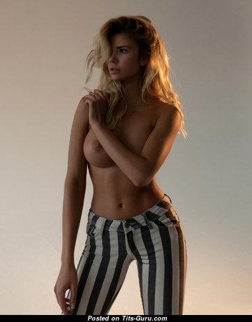 Nata Lee - Pleasing Undressed Blonde (4k Sexual Pic)