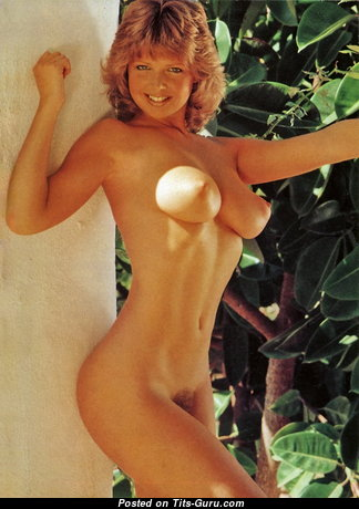 Corrine Russell - Pleasing Woman with Pleasing Bald Natural Average Titties (Vintage Hd 18+ Foto)