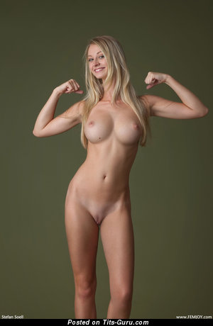 Carisha Cherry - Exquisite Blonde with Exquisite Nude Regular Jugs (Hd Sexual Foto)