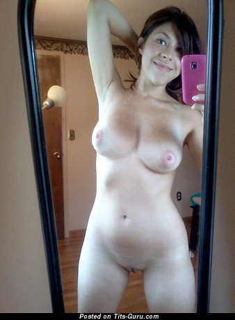 Image. Amateur naked awesome lady selfie