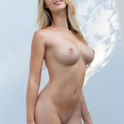 Sweet Babe with Sweet Defenseless Real Regular Boobie (Hd 18+ Pix)