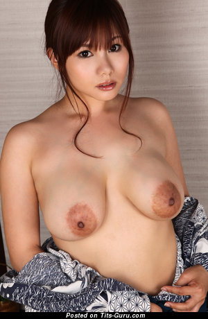 Kanon Ohzora - naked asian with natural tits picture