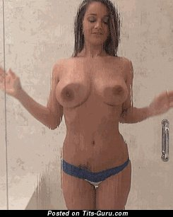 Image. Nikki Sims - sexy wet amateur naked blonde with big boob gif
