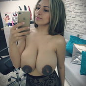 Perfect Brunette Babe with Perfect Naked Natural Full Boobys & Huge Nipples (Amateur Selfie Xxx Pic)