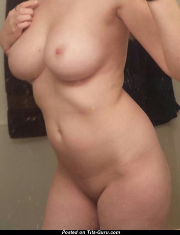 Pleasing Undressed Mom & Wife (Sexual Pic)
