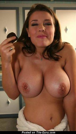 Nude brunette with medium natural tittes picture