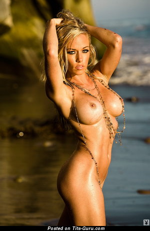 Handsome Wet Blonde with Handsome Exposed Great Boobies on the Beach (Hd Porn Foto)