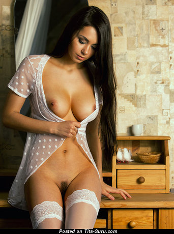 The Nicest Brunette with The Nicest Nude Tight Boobie (Xxx Pix)