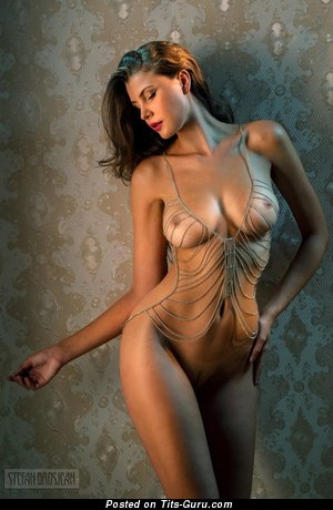 Magnificent Woman with Magnificent Exposed Real Tittys (18+ Picture)