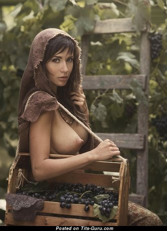 Image. Naked brunette with big natural boob and big nipples photo