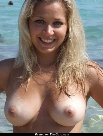 Pleasing Babe with Delightful Exposed Real Firm Boobys on the Beach (Porn Pix)