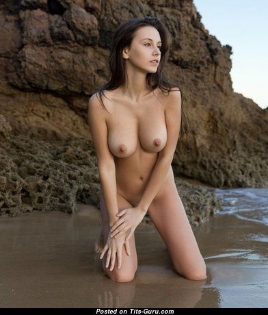 Perfect Glamour Unclothed Playboy Babe with Red Nipples (18+ Pic)