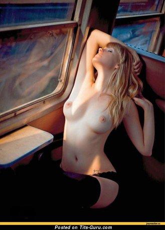 Image. Naked amazing female with medium tittes image