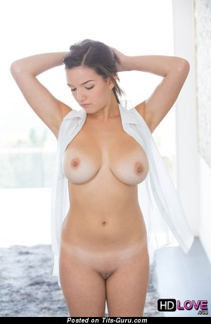 Shae Summers - Pretty American Pornstar with Pretty Nude Natural Dd Size Tittes (Hd Porn Photoshoot)