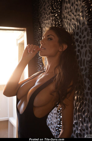 Sweet Moll with Sweet Nude Ddd Size Tittys (Sexual Image)