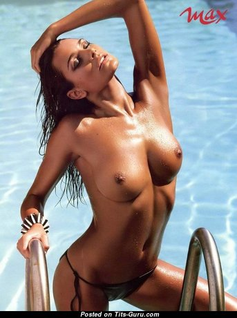 Alena Seredova - Pretty Czech Red Hair with Pretty Naked Natural Med Boobies in the Pool (Porn Photo)