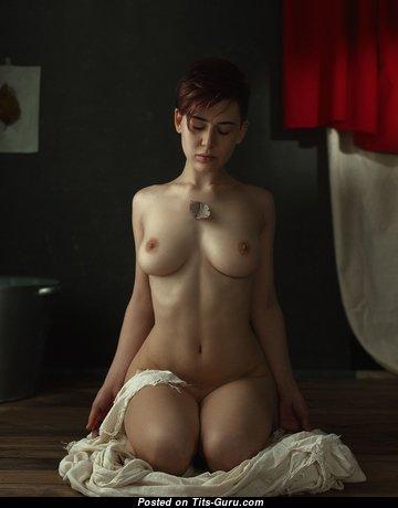 Sweet Naked Babe (Amateur Hd Porn Image)