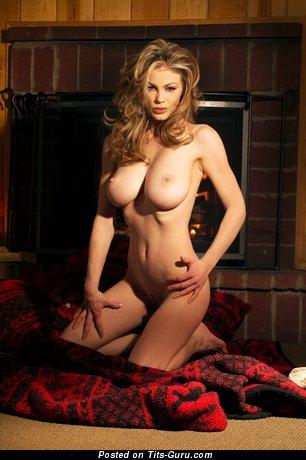 Yummy Lady with Yummy Bare Great Boobies (Hd Xxx Foto)
