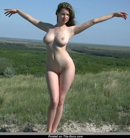 Image. Gigi - nude nice lady with medium natural tittys photo