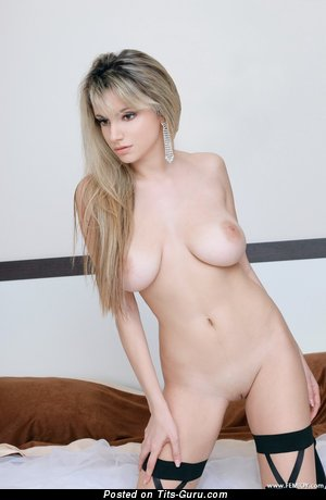 Fine Dame with Fine Open Real C Size Tittys (Hd Sexual Photoshoot)