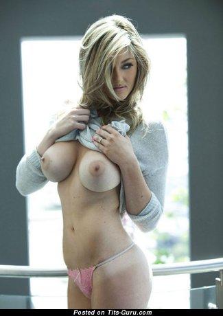 Image. Sexy nude blonde with medium tittys image