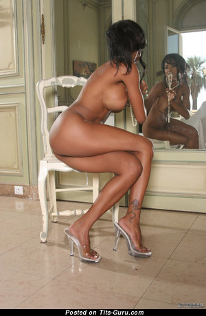 Ameta - Splendid Ebony Miss with Splendid Naked Big Knockers (Hd 18+ Pix)