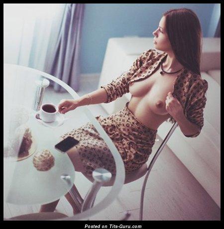 Изображение. сиськи фото: красотки, средние сиськи, натуральная грудь