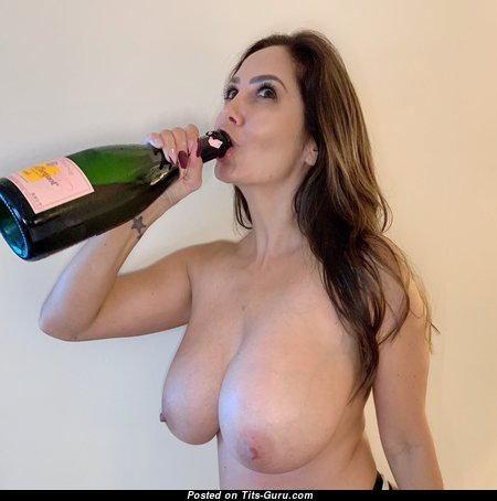 Ava Addams - Nice French, American Brunette Pornstar & Housewife with Nice Nude Fake Jugs & Puffy Nipples (Hd Porn Image)