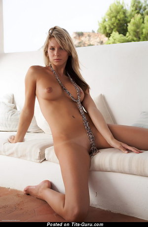 Image. Danae - blonde with natural tots photo