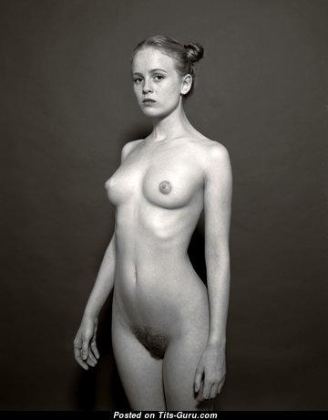 Pleasing Nude Blonde (Hd Sexual Photo)