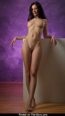 Amazing Babe with Amazing Open Real Mini Boobs (18+ Pix)