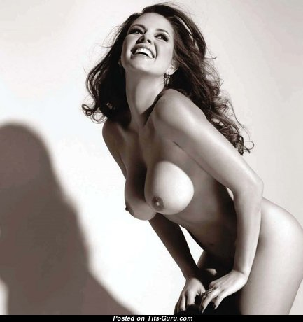 The Nicest Naked Babe with Giant Nipples (Hd 18+ Pix)