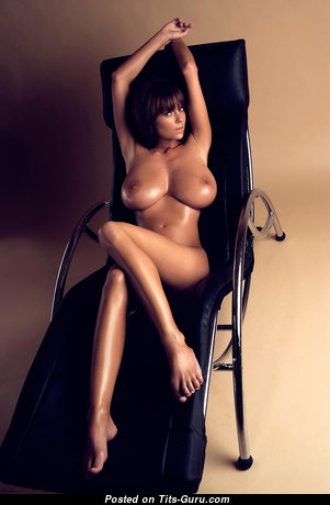 Graceful Babe with Graceful Bald Natural Full Tittes & Long Nipples (Hd Sexual Photoshoot)