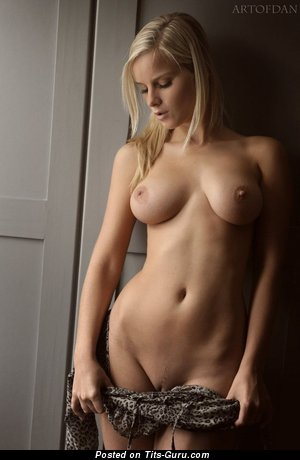 Image. Blonde with medium natural breast image