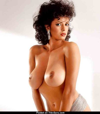 Magnificent Babe with Magnificent Bald Real C Size Breasts (18+ Pix)